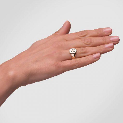 טבעת חותם אובלית בציפוי זהב