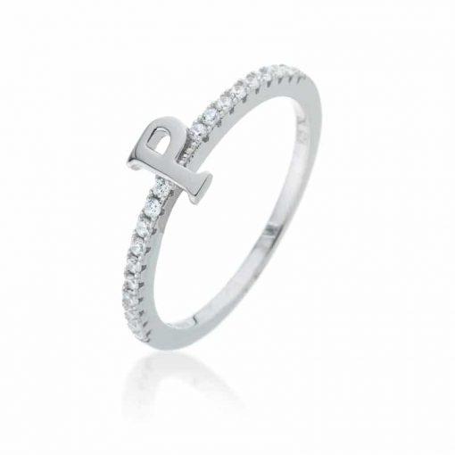 טבעת אות משובצת בצדדים